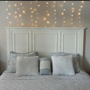 NIB soft white twinkle lights wall decor